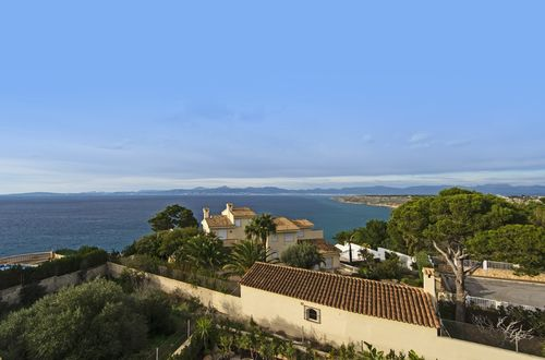 VILLA OVERLOOKING THE BAY OF PALMA