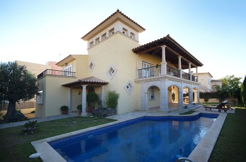 Exclusive Mediterranean villa at the best location
