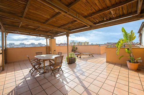 Light flooded penthouse with magnificent roof terrace and beautiful view over the bay of Palma