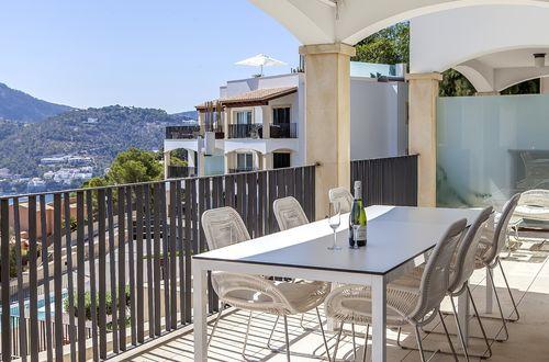 Elegant apartment with glorious sea views