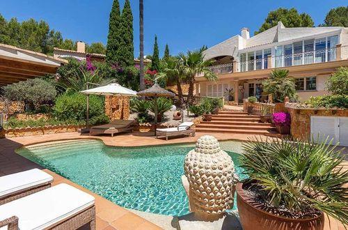 Elegant högkvalitativ villa i ett rofyllt bostadsområde