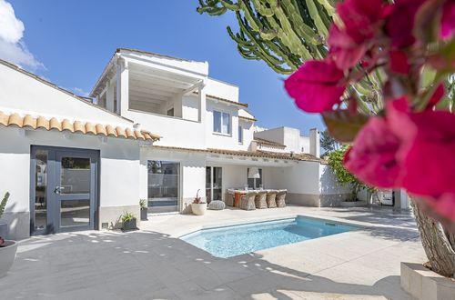 Elegant, newly renovated villa in Sol de Mallorca