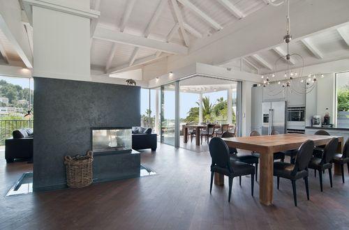 Einzigartige hochwertige Villa in beliebter Costa de la Calma