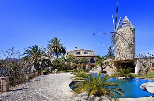 Beautifully restored Finca from the 17-1800s with its own windmill