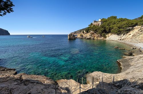 Spectacular plot on the first sea line in Camp de Mar