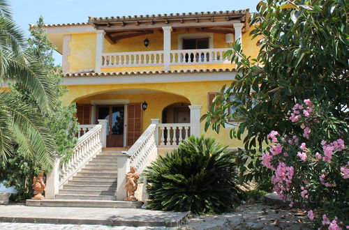 Charming villa with beautiful arcades and  nice views