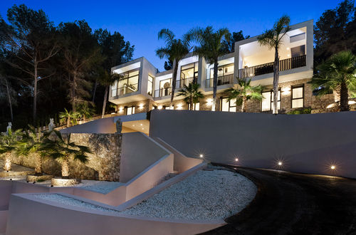 Modern villa in exclusive residential area