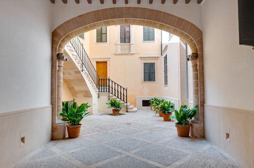 Nybyggd lägenhet med patio i exklusivt område