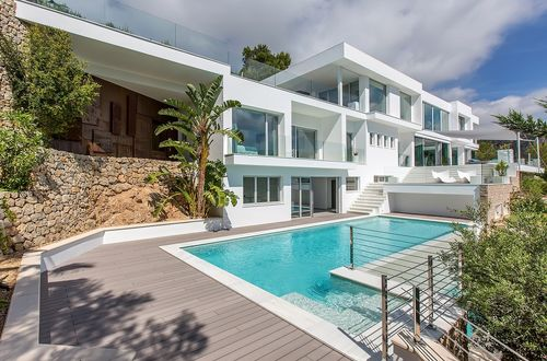 Sensational new-build villa with wonderful sea views
