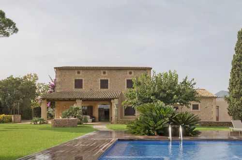 Beautiful Finca with tourist license surrounded by vineyards