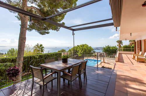 Large family villa with exellent sea view