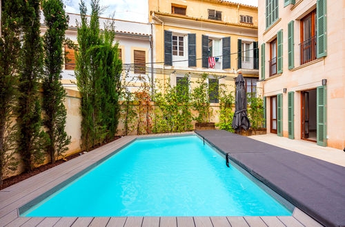 Elegant property with beautiful patio and pool area in Palma