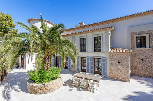 Elegant stone villa with harbour views in Port Andratx