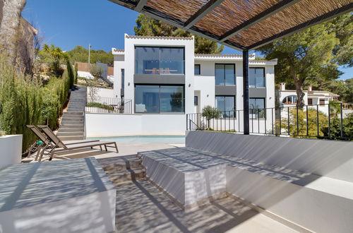 Modern sea view villa with rental permits