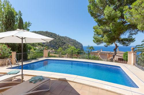 Mediterrane Villa mit Meerblick in Camp de Mar.