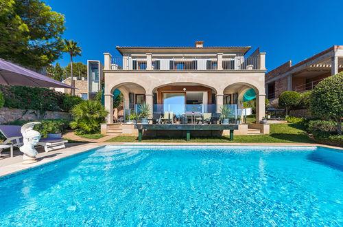 Charming villa with fantastic sea views