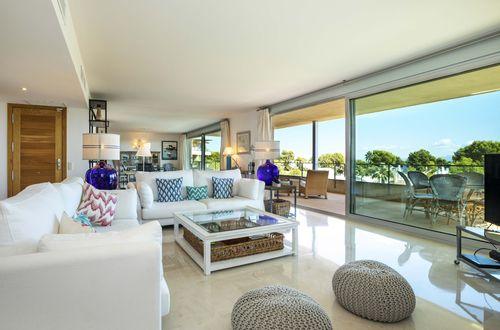 Exceptionellt stor lägenhet med strålande havsutsikt