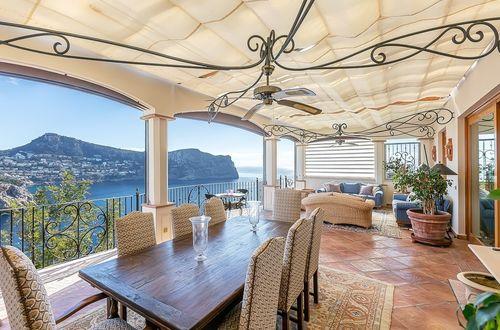 Beautiful Mediterranean villa with stunning seaviews