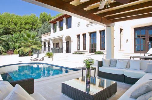 Elegant luxury villa with stunning dream views