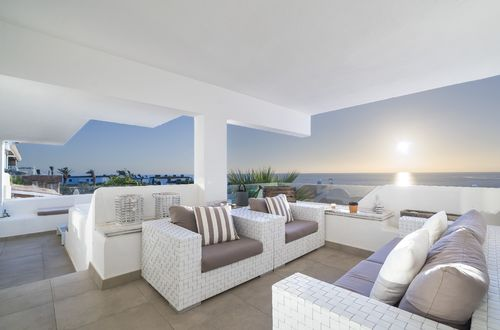Renovated designer apartment with stunning sea views
