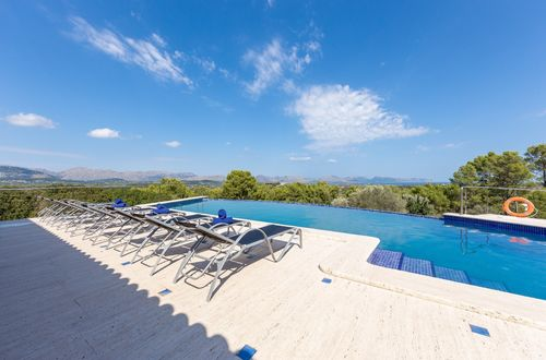 Luxurious Finca with brilliant sea views over Pollensa bay