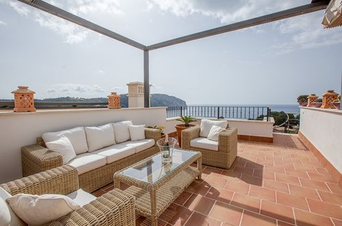 Semi-detached house with fantastic sea views at Camp de Mar golf course