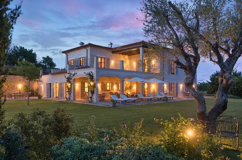 Luxury property with magnificent views of the Tramuntana mountains