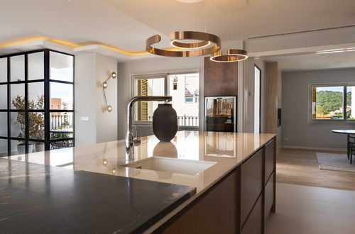 BRIGHT, LUXURY APARTMENT IN THE HEART OF SON ARMADAMS