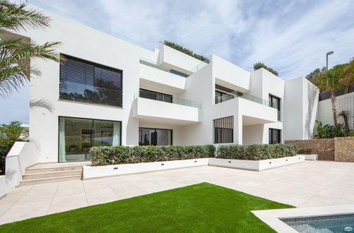 Avant garde apartment with an enchanting garden
