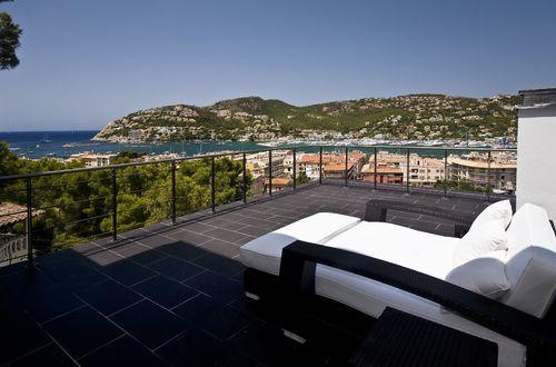 Spectacular villa overlooking the harbour in Puerto Andratx