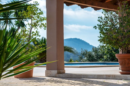 Dreamlike natural stone finca with possibilities for horse keeping