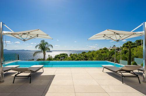 Modern villa med helt fantastisk havsutsikt