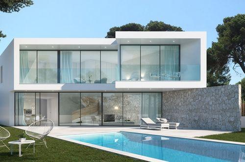 Ny modern designvilla med vacker utsikt