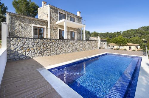 High quality family villa with panoramic mountain views