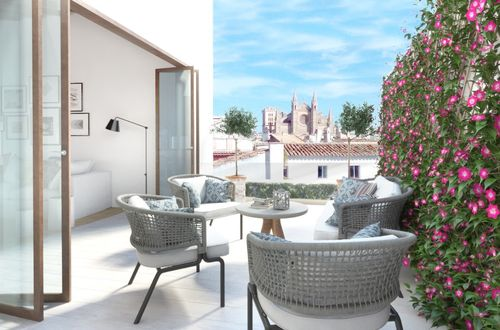 Large penthouse with wonderful views of the Cathedral