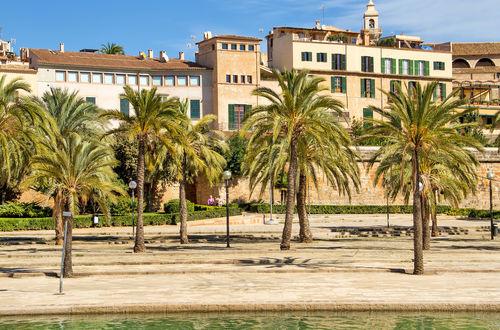 Representativ luxuös penthouse-våning med stor solterrass och makalös utsikt i Palma