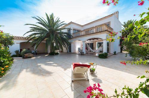 Two Mediterranean villas on the same plot in Cala Blava