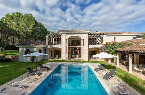 Extravagant dreamlike villa by Santa Ponsa golf course