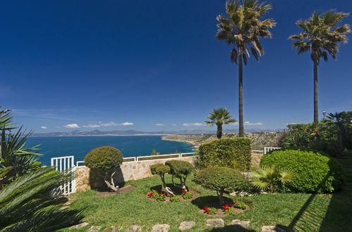 Villa mit herrlichem Blick in erster Meereslinie