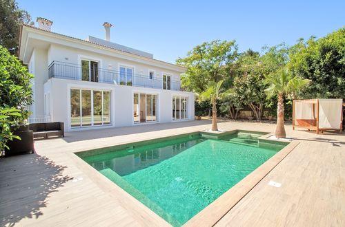 Elegant villa med havsutsikt - separat gästlägenhet och flott poolområde
