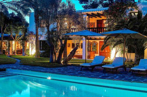 Topläge ! Superb egendom med milsvid utsikt över Ibiza-stad, ön Formentera och Medelhavet