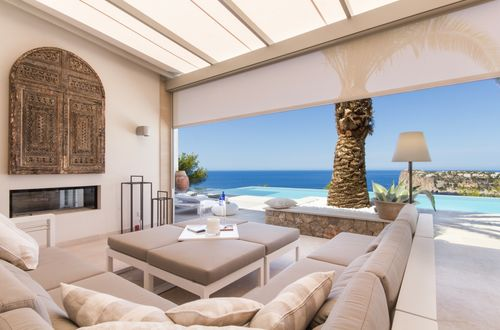 High quality newly built luxury residence in exclusive location with stunning sea views