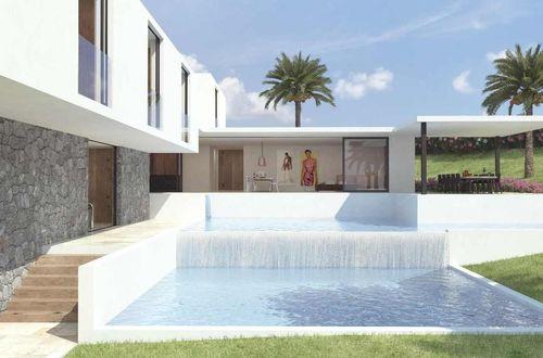 Fantastiskt byggprojekt för uppförande av en drömvilla med strålande vy över hav och land