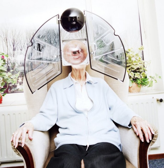 arjen_born_photography_elderly_robots_health_care_in_future_collabcubed