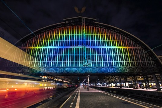 Rainbow-Station-by-Roosegaarde-3-537x357
