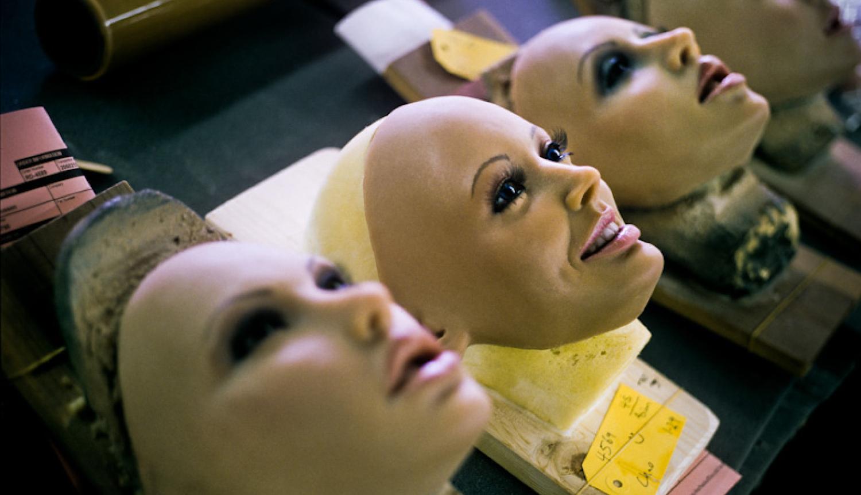 Сын с резиновой куклой 20 фотография