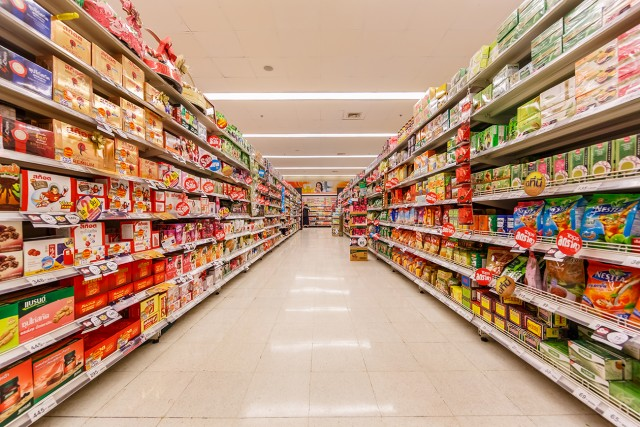 Supermarket consumers impact on the environment