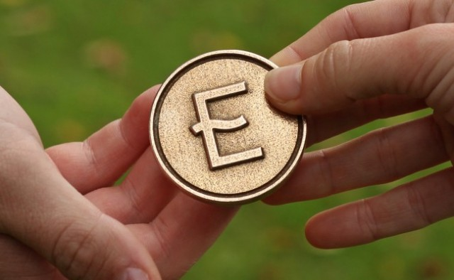 Eco-coin_hands6_normal-post