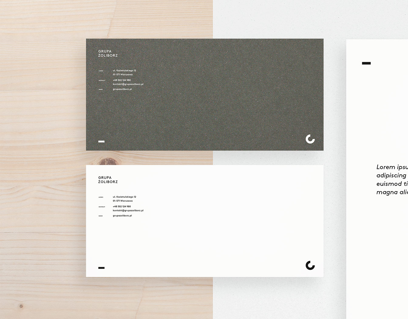 Horizontal grey and white notecards