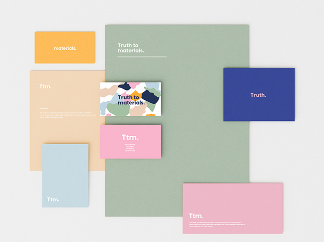 Notecards in different formats and colours